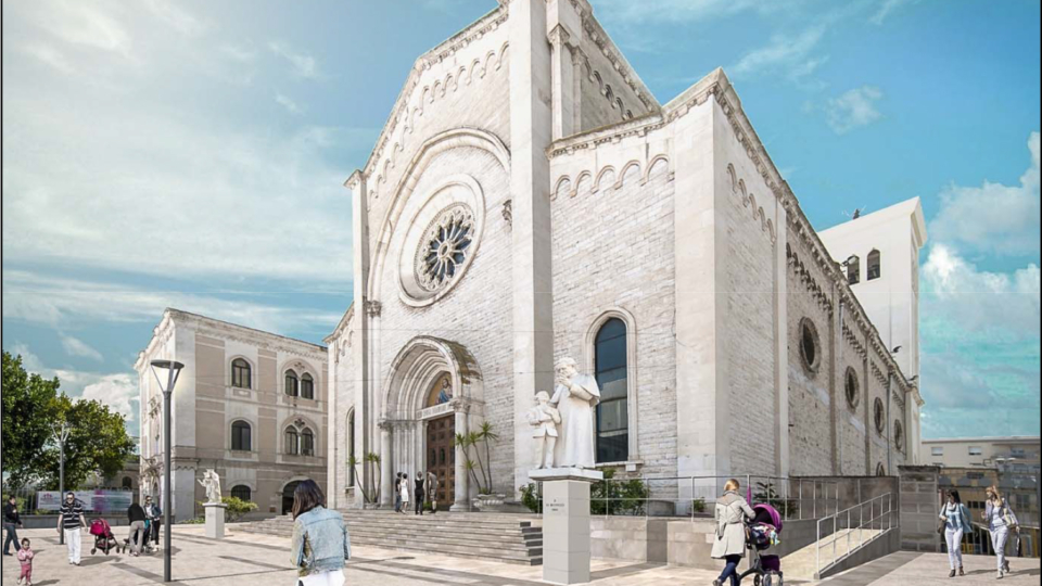 Piazza Redentore (particolare area antistante parrocchia)